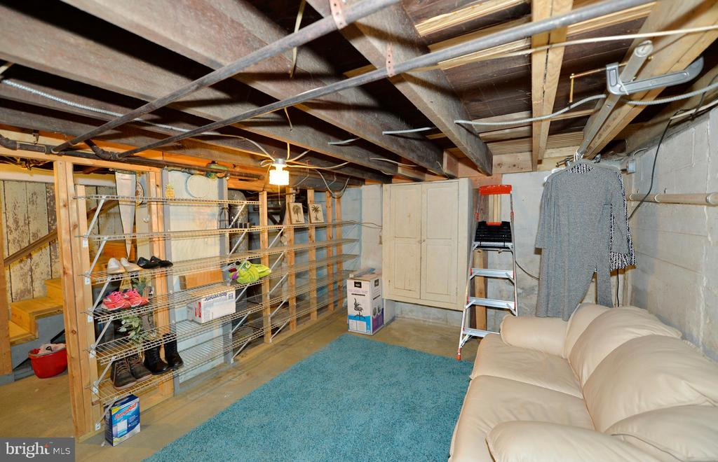 Lower level unfinished - 410 S NURSERY AVE, PURCELLVILLE