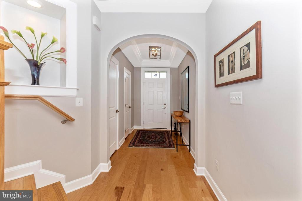 Spacious entry foyer! - 3835 FULHAM RD, FREDERICK