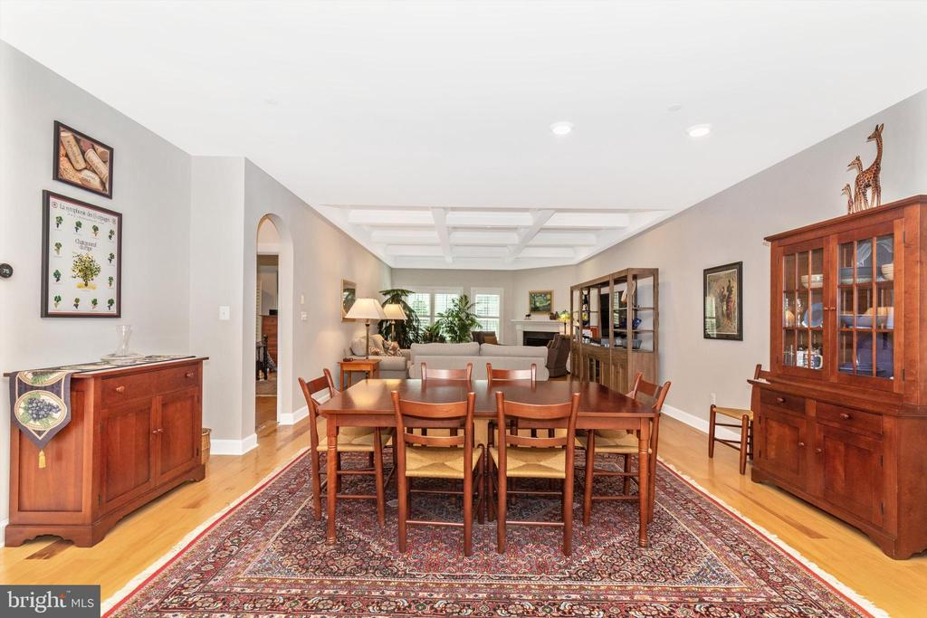 Open floor plan is perfect for entertaining! - 3835 FULHAM RD, FREDERICK