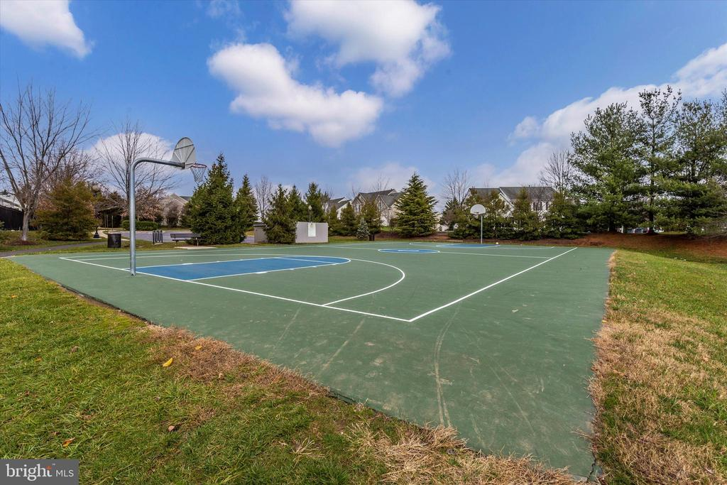 Community basket ball courts - 3835 FULHAM RD, FREDERICK