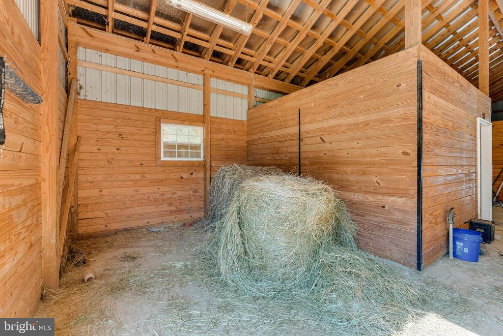 Grooming stall, currently used for hay storage - 4346 BASFORD RD, FREDERICK