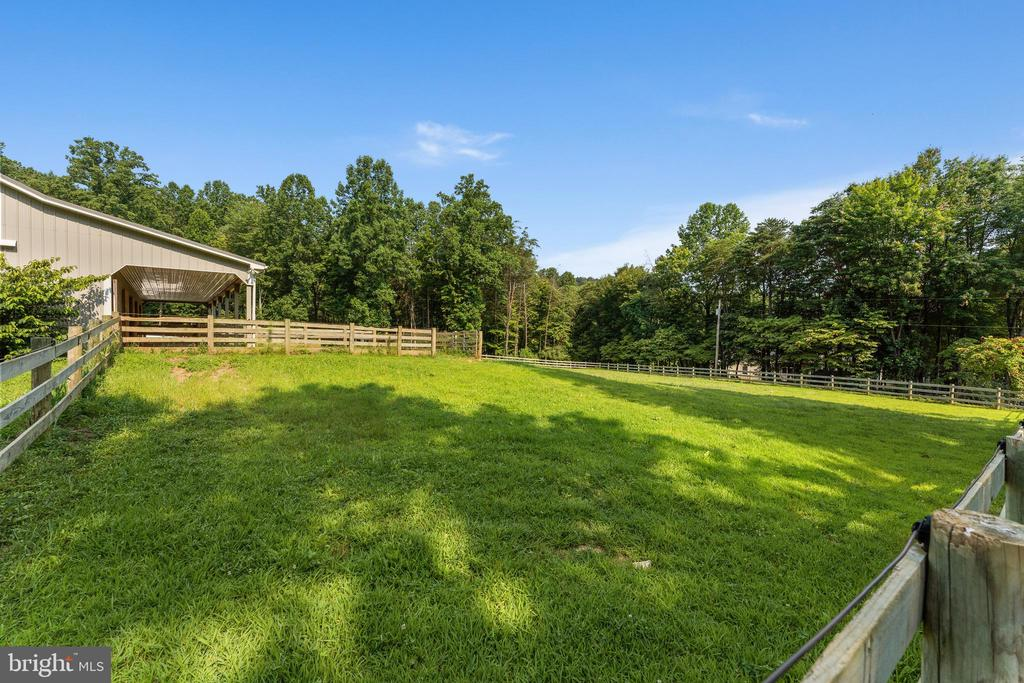 3-Board fencing with electric top wire - 4346 BASFORD RD, FREDERICK