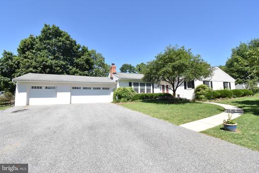 2 NEW FOREST CT