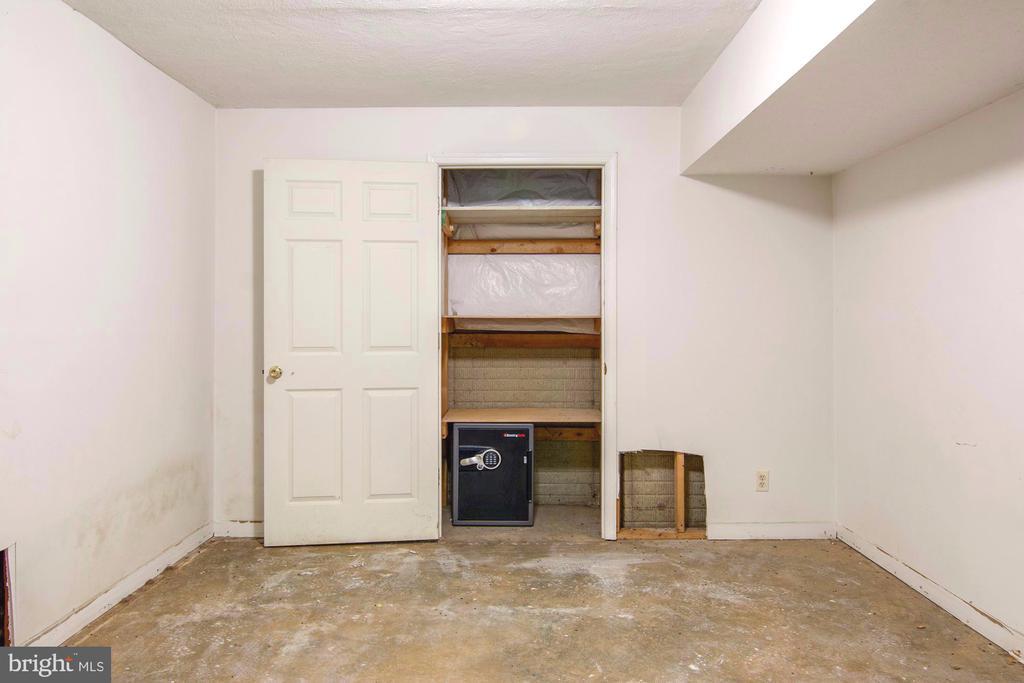 Bonus room framed with drywall - 205 SAIL CV, STAFFORD