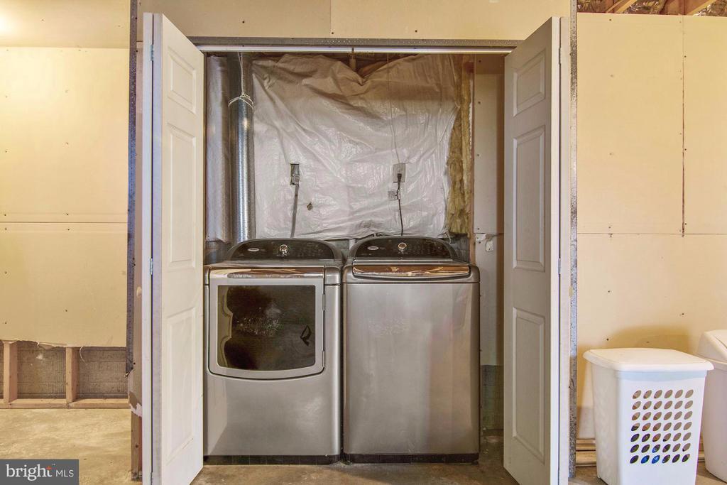 Laundry - 205 SAIL CV, STAFFORD