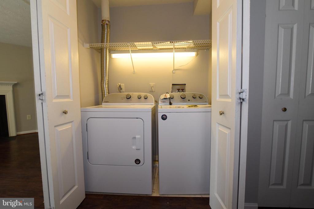 Laundry - 44077 TIPPECANOE TER, ASHBURN