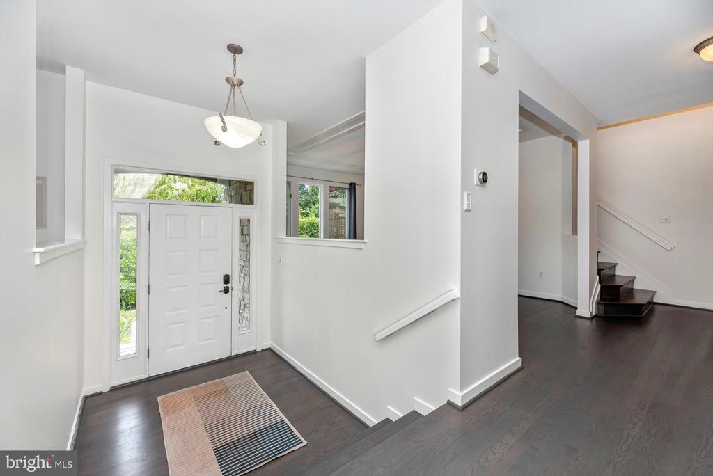 Foyer - 9706 WOODLAKE PL, NEW MARKET
