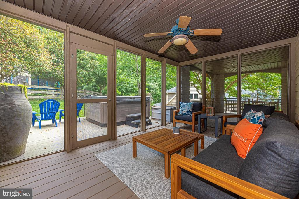 Outdoor living space - 9706 WOODLAKE PL, NEW MARKET