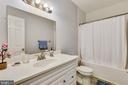 Hall Bathroom - 35759 HAYMAN LN, ROUND HILL