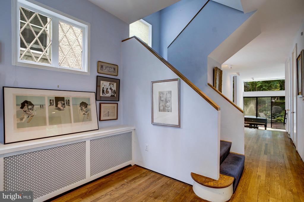 Foyer - 3518 NEWARK ST NW, WASHINGTON