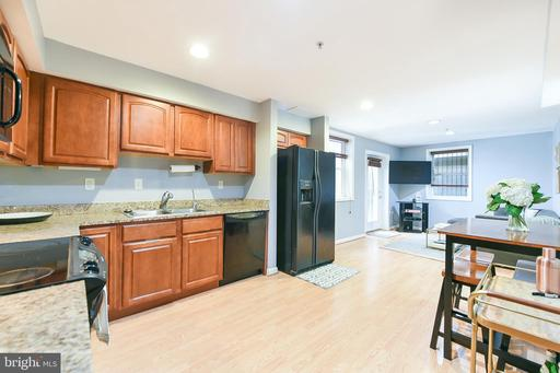 610 IRVING ST NW #T04
