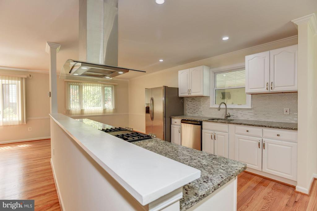 Kitchen - 13300 COLLINGWOOD TER, SILVER SPRING