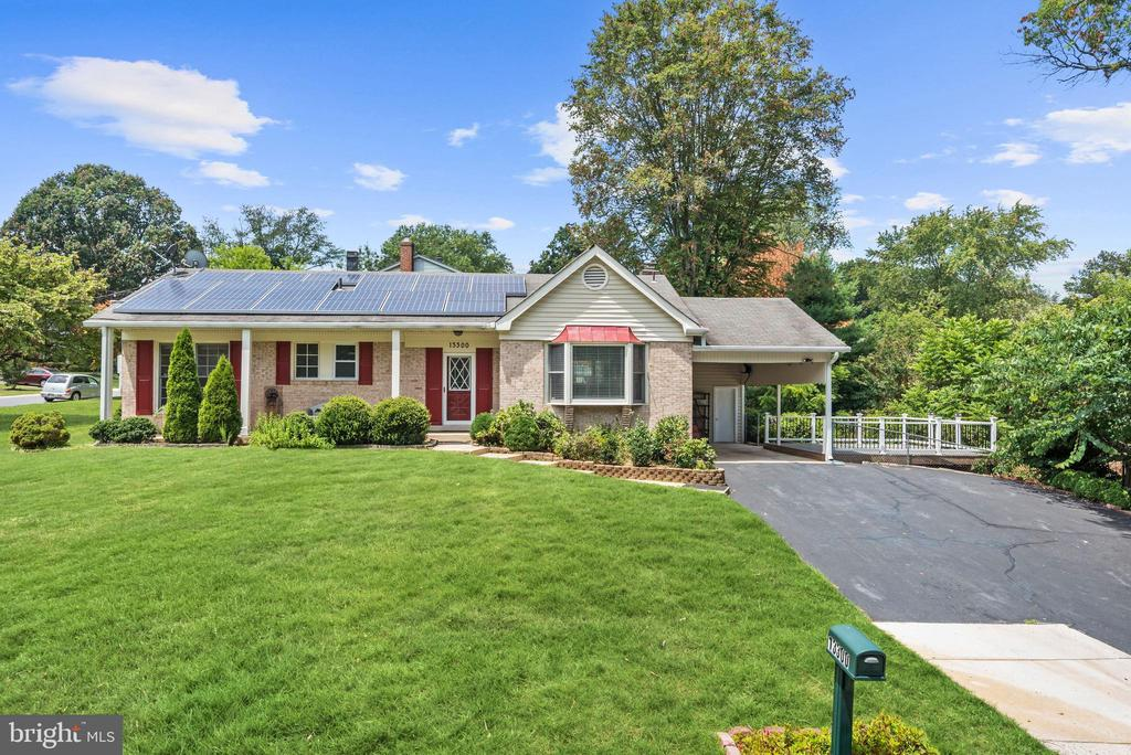 Welcome Home! - 13300 COLLINGWOOD TER, SILVER SPRING