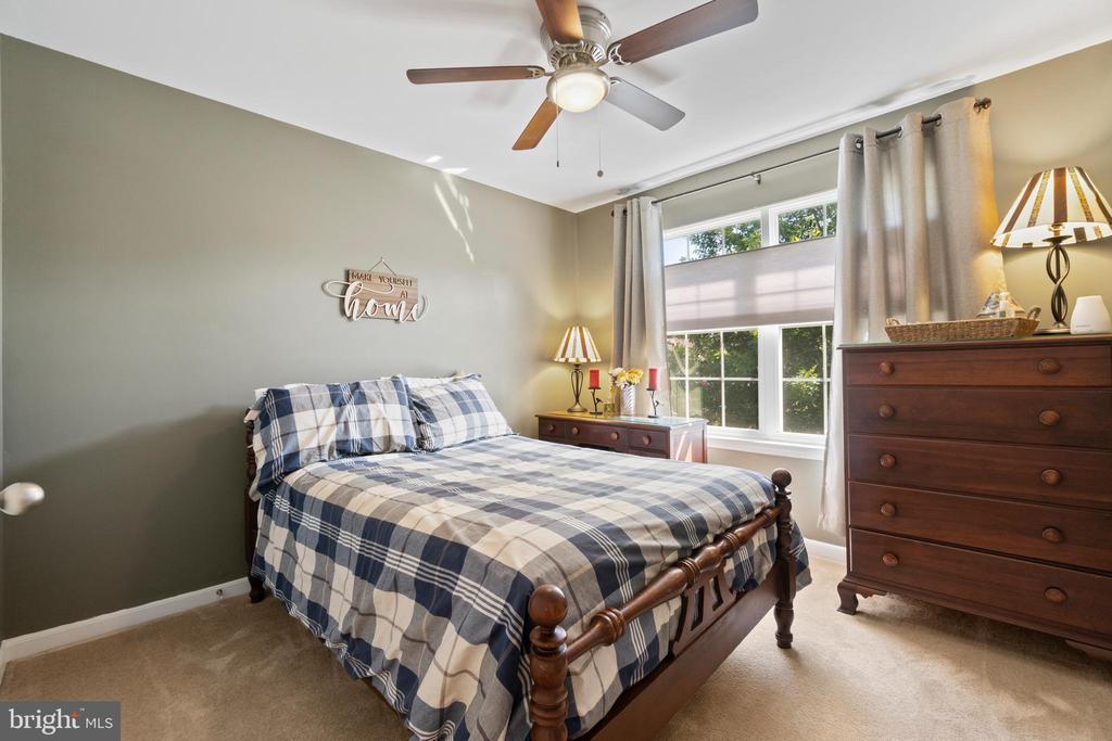 Upper level bedroom 1 - 97 SANCTUARY LN, STAFFORD