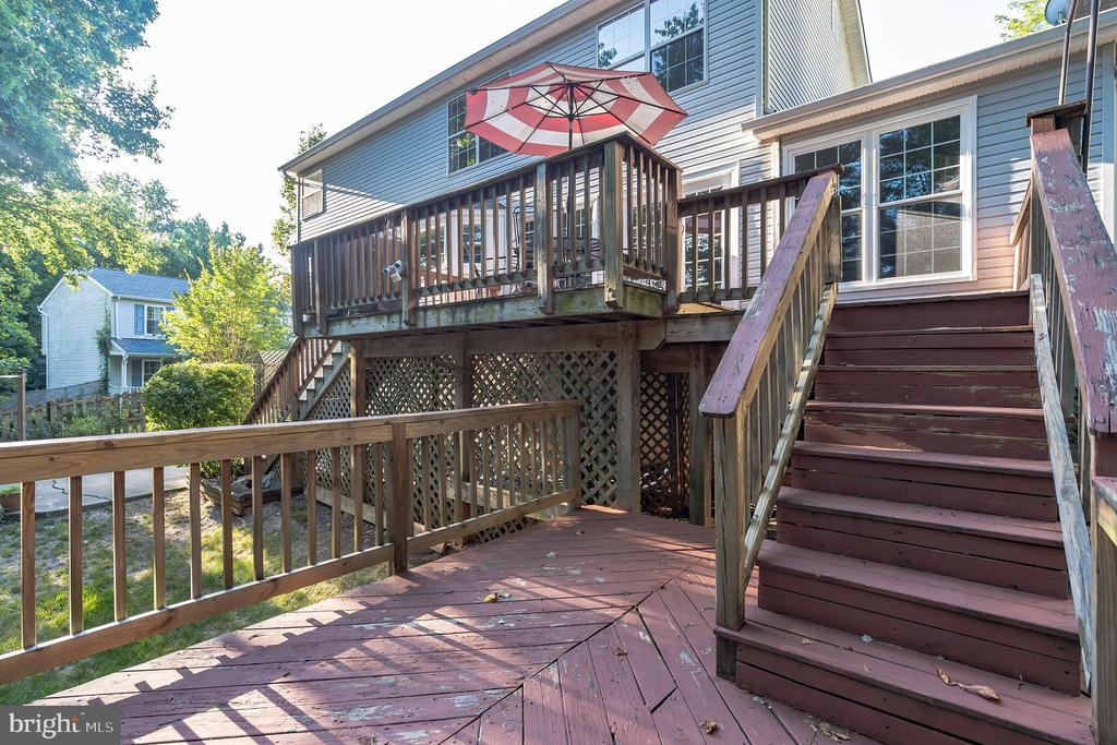 Two Tier deck - 14 JUSTIN CT, STAFFORD