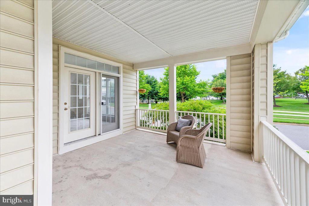outside sitting porch - 17510 LETHRIDGE CIR, ROUND HILL