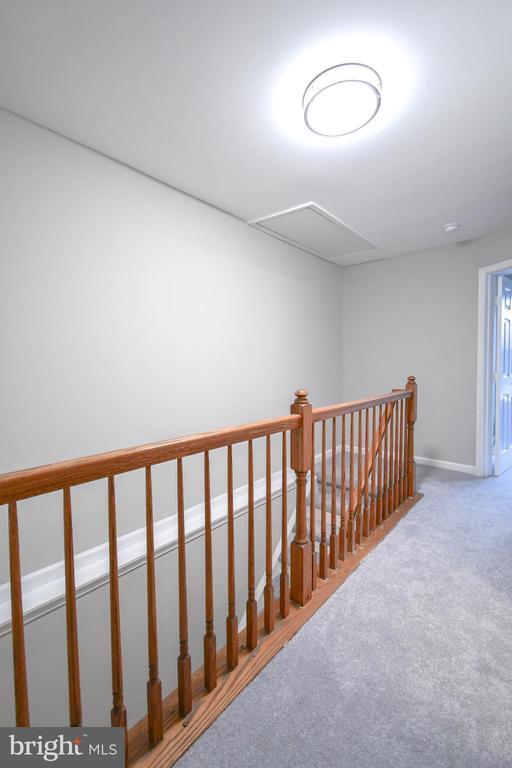 Upper hall - 9530 BUTTONBUSH CT, MANASSAS