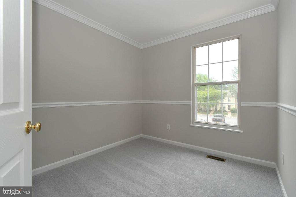 Bedroom 3 - 9530 BUTTONBUSH CT, MANASSAS