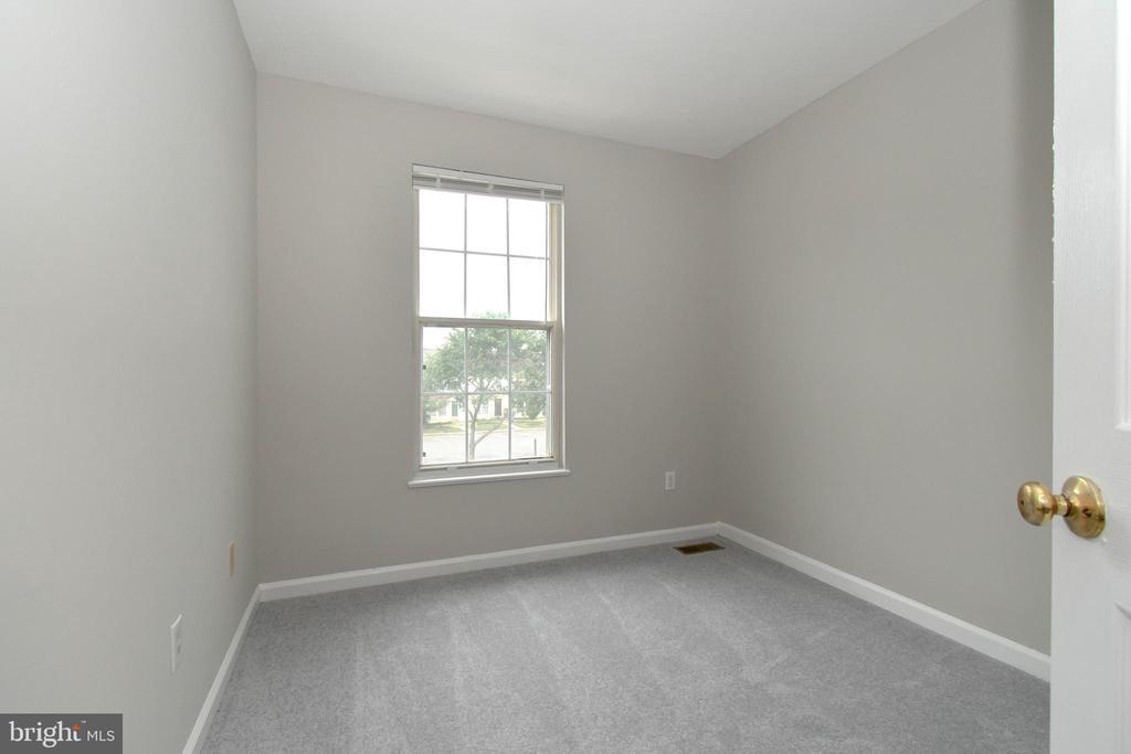 Bedroom 2 - 9530 BUTTONBUSH CT, MANASSAS
