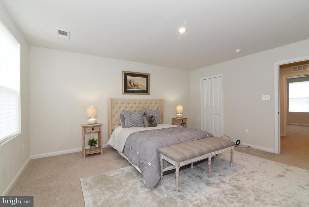 Master bedroom - 348 TICKSEED CT, BUNKER HILL