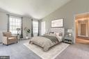 Gorgeous owner's bedroom - 6 LEE CT, STAFFORD