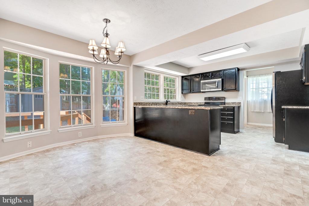 Gorgeous kitchen - 6 LEE CT, STAFFORD