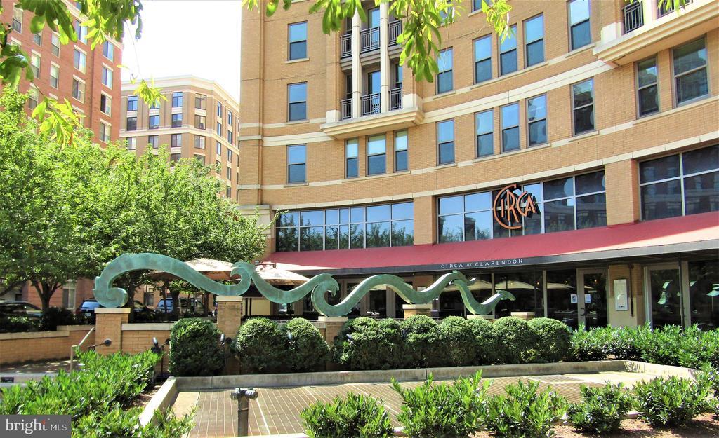 Nearby Restaurants - 1021 N GARFIELD ST #242, ARLINGTON