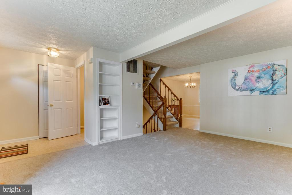 New carpets and paint (2021) - 3594 WHARF LN, TRIANGLE