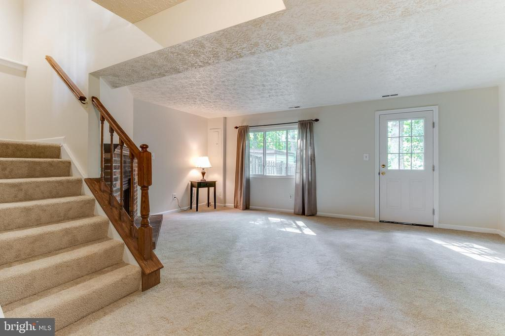 All this and a walkout basement, too! - 3594 WHARF LN, TRIANGLE
