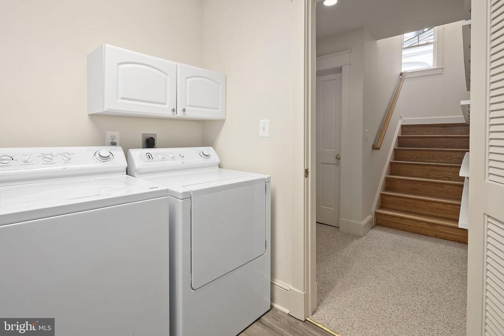 Lower level washing machine and dryer - 1611 N BRYAN ST, ARLINGTON