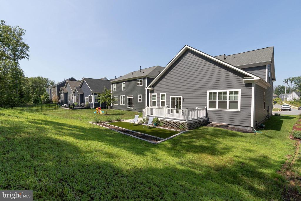 - 18001 WOODS VIEW DR, DUMFRIES