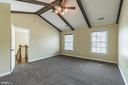 Vaulted ceilings in owner's bedroom - 135 BRUSH EVERARD CT, STAFFORD