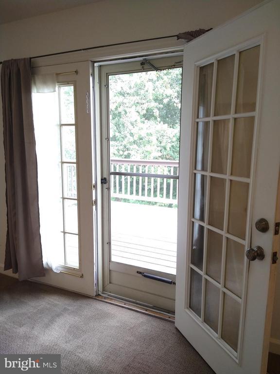 Family Room Open Door Access to Deck - 13600 BRIDGELAND LN, CLIFTON