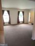 Living Room - 13600 BRIDGELAND LN, CLIFTON
