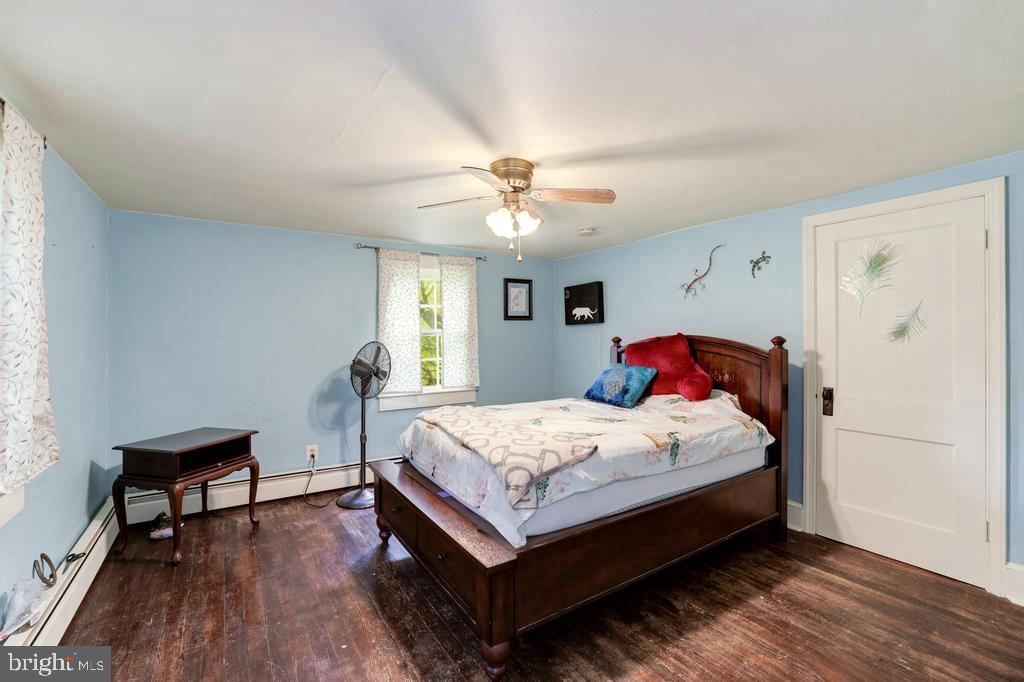 - 14505 MILLTOWN RD, LOVETTSVILLE