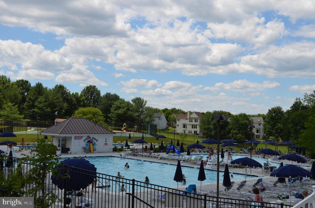 Spring Ridge Community pools! - 6505 SPRINGWATER CT #7401, FREDERICK
