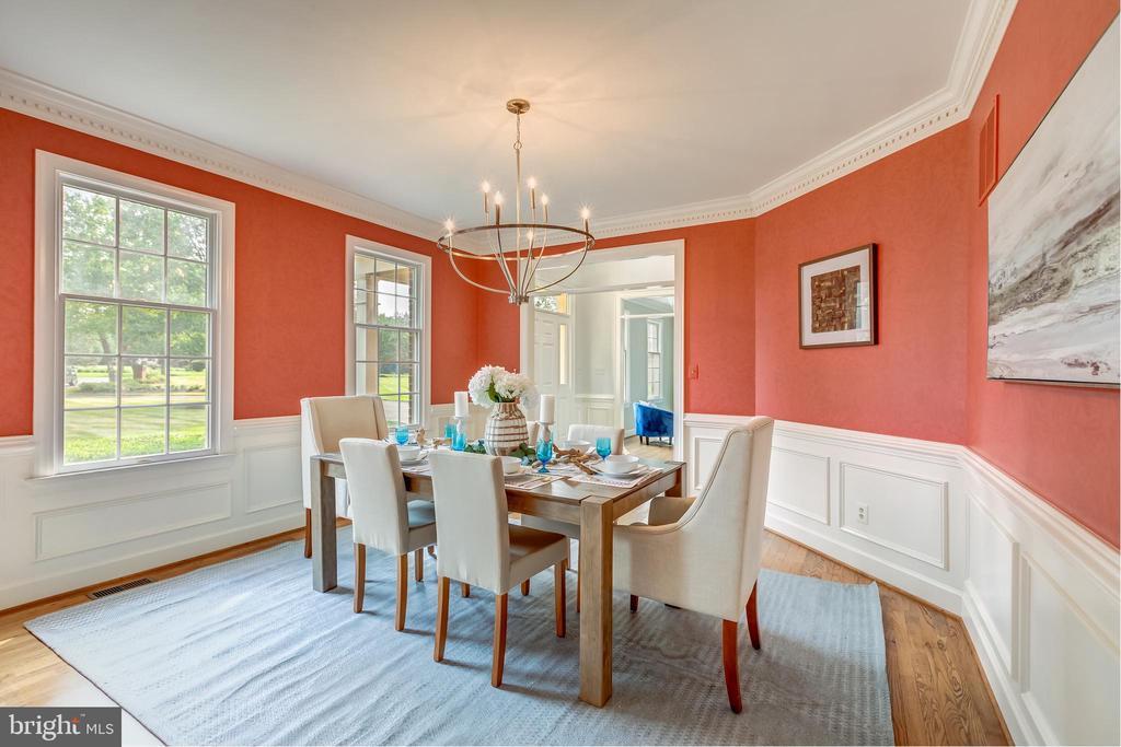 Dining room - 22606 HILLSIDE CIR, LEESBURG