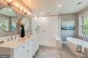 newly renovated master bath - 22606 HILLSIDE CIR, LEESBURG