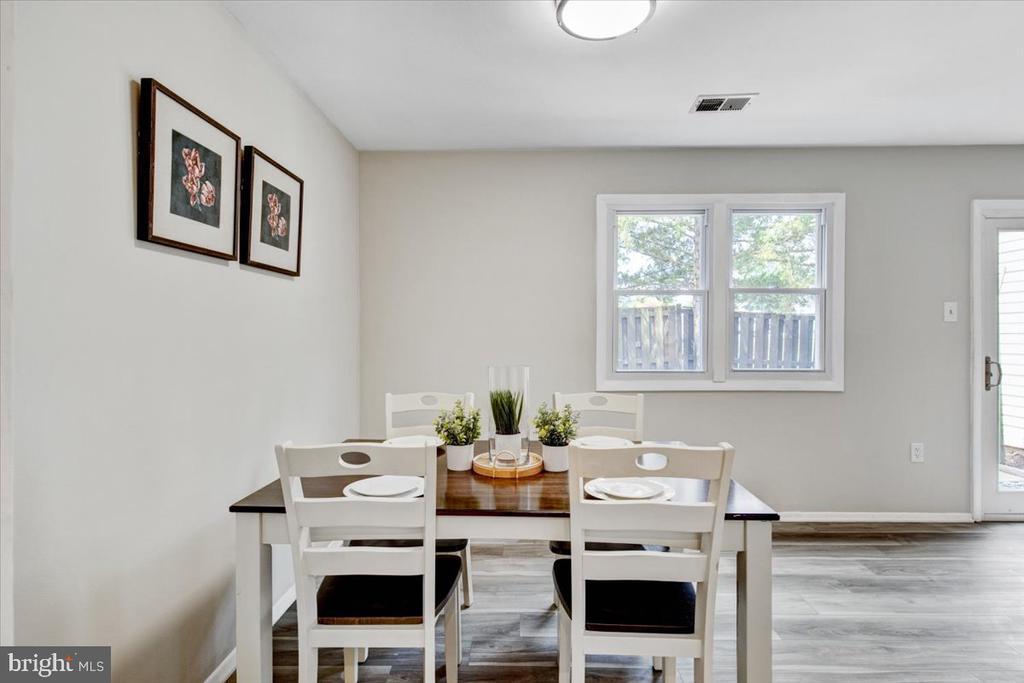 Dining area - 51 CAROLINA CT, STERLING