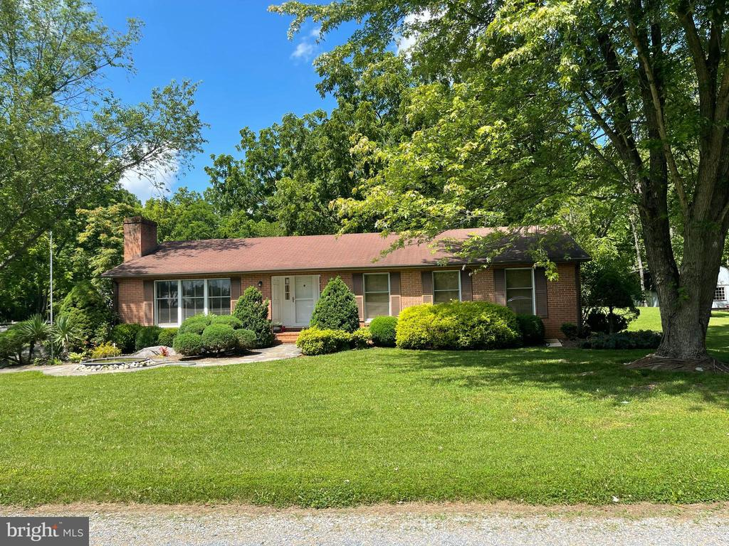 Full Front of the house - 239 KIMBLE RD, BERRYVILLE