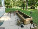 Hand made planter conveys - 239 KIMBLE RD, BERRYVILLE
