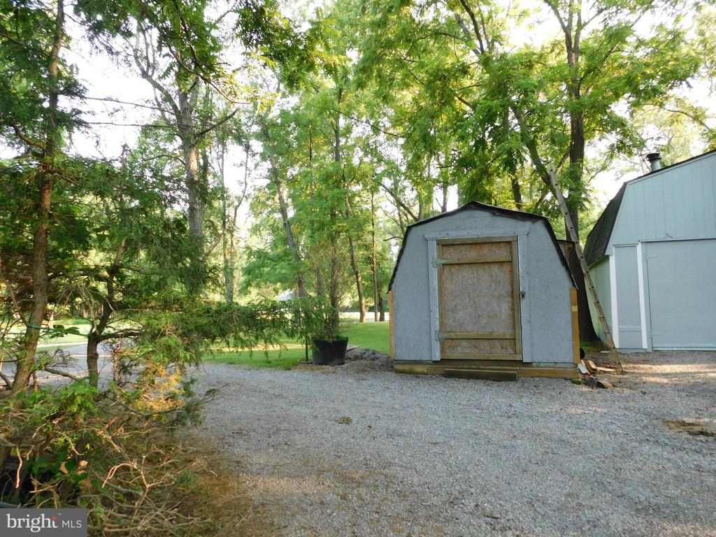 Another shed - 239 KIMBLE RD, BERRYVILLE