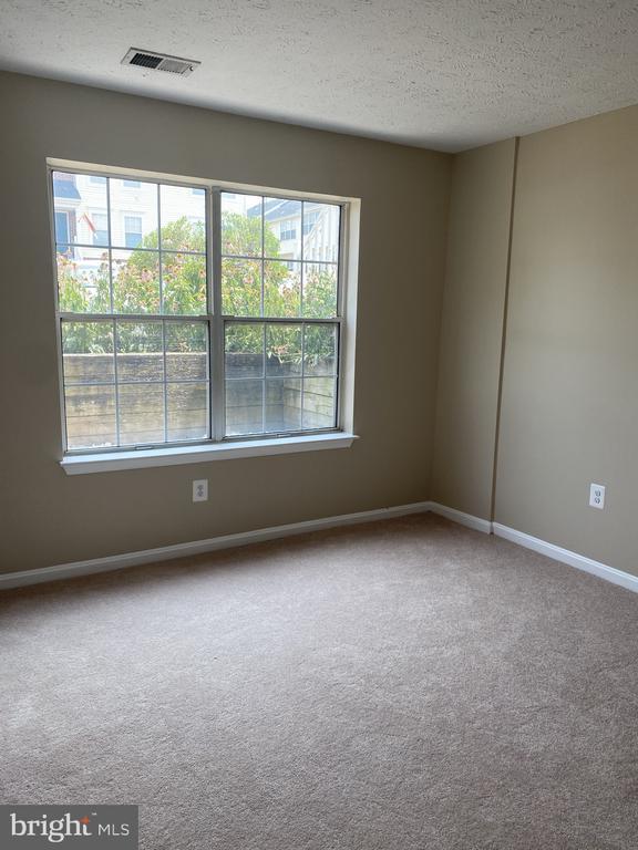 LL BR 3 is 11x10- New Carpet & Paint - 7960 CALVARY CT #138, MANASSAS