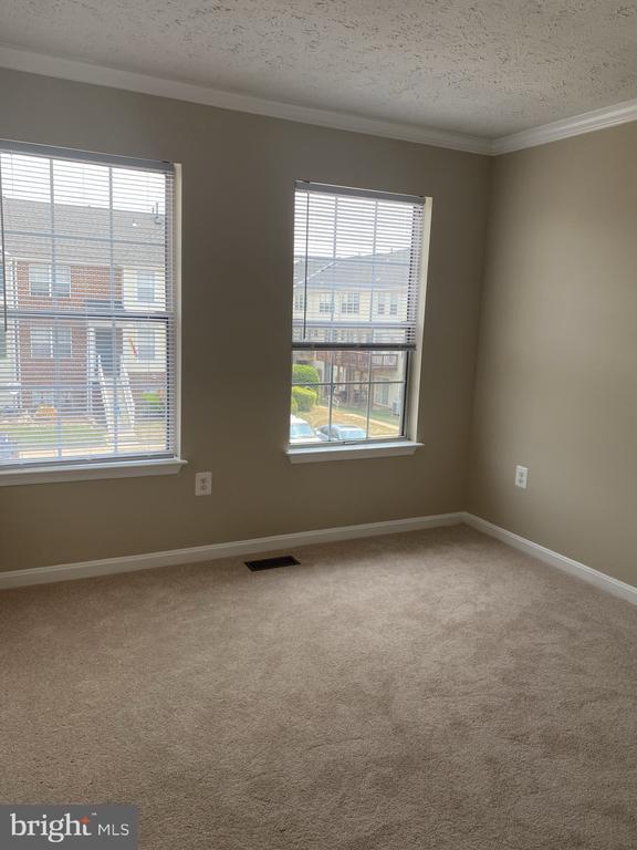 BR #2-10x10 - New Carpet & Paint! - 7960 CALVARY CT #138, MANASSAS