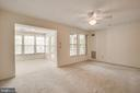 Enter into the spacious and airy living room - 12236 LADYMEADE CT #5-201, WOODBRIDGE