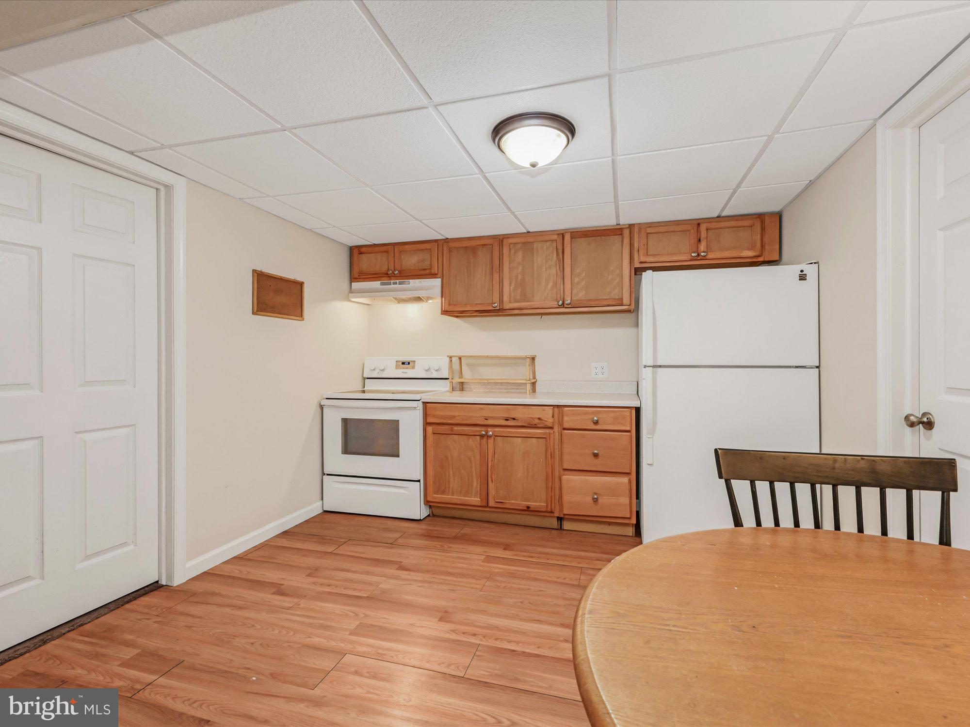 basement kitchen