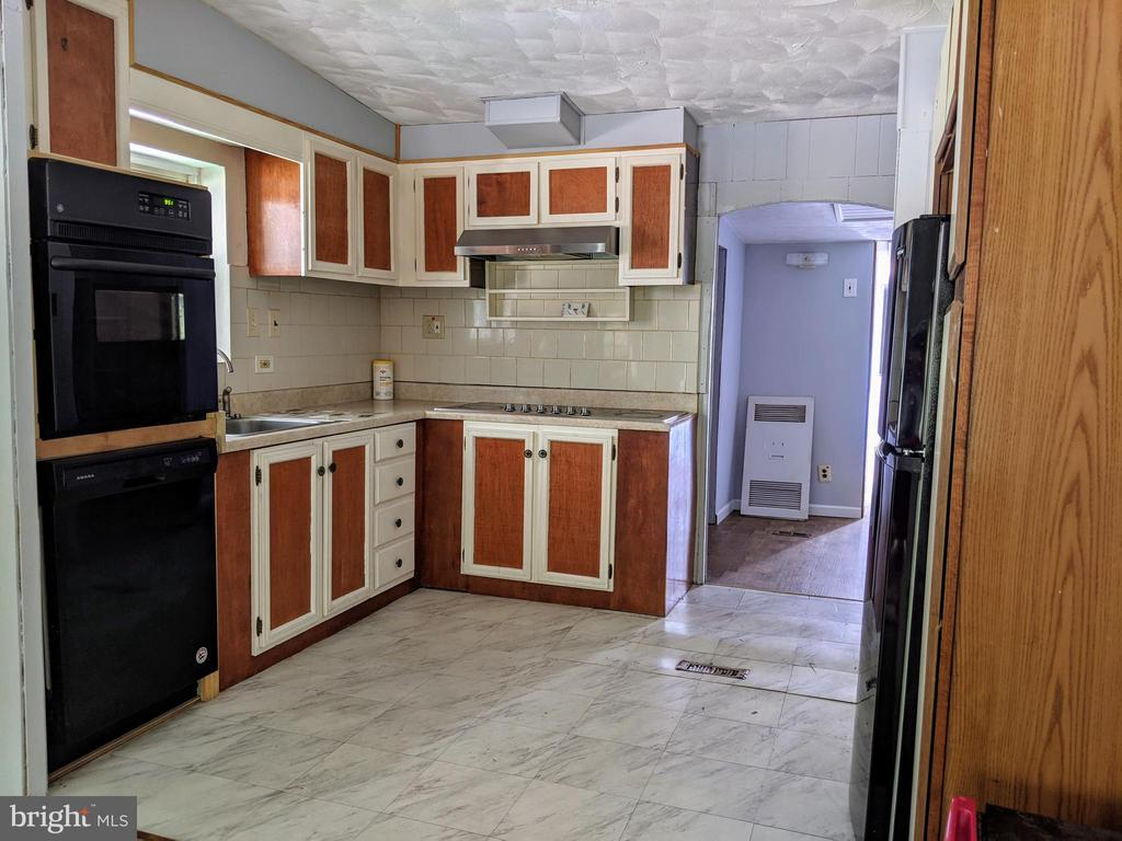 Kitchen - 11311 PINE HILL RD, KING GEORGE