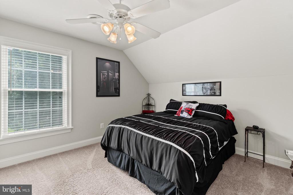 4th Bedroom on the upper level - 55 AZTEC DR, STAFFORD
