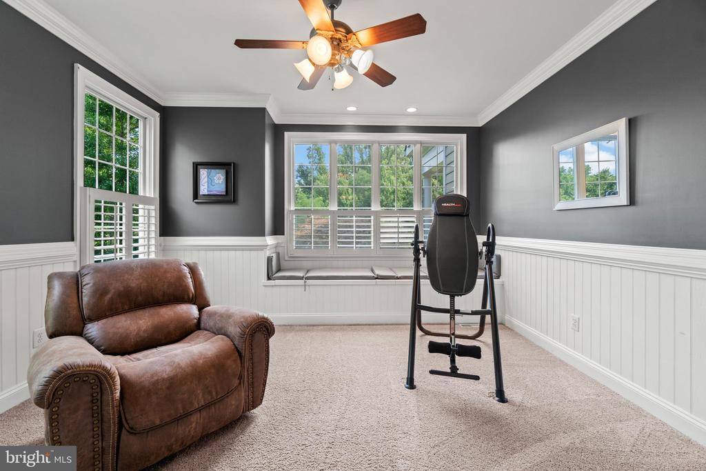 Private Sitting Room off the Primary Bedroom - 55 AZTEC DR, STAFFORD