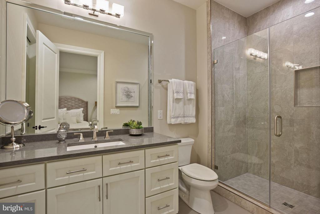 Full Bathroom on the Lower Level - 22436 MADISON HILL PL, LEESBURG